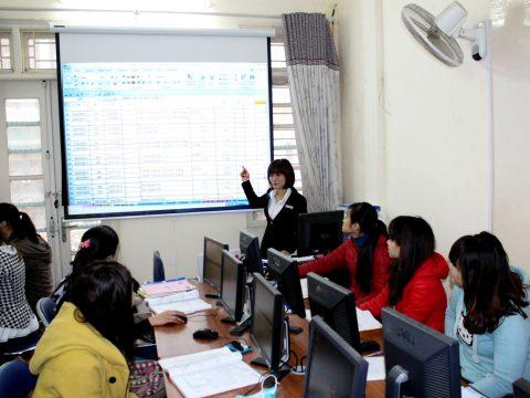 Dạy học thực hành trên phần mềm kế toán