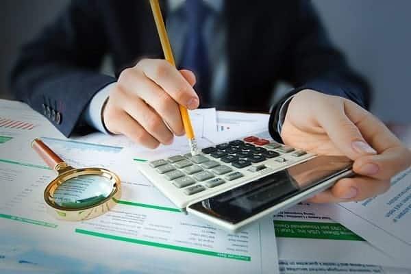 Khi nào cần tìm đến dịch vụ làm sổ sách kế toán?