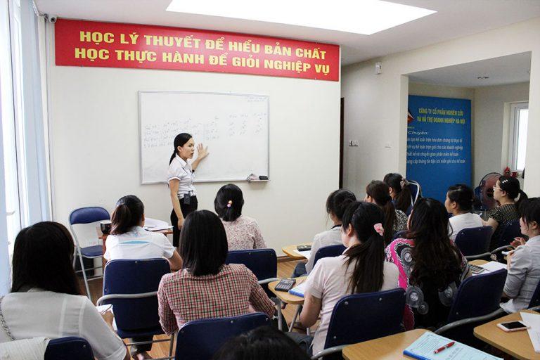 Có nên tham gia khóa học kế toán thuế không?